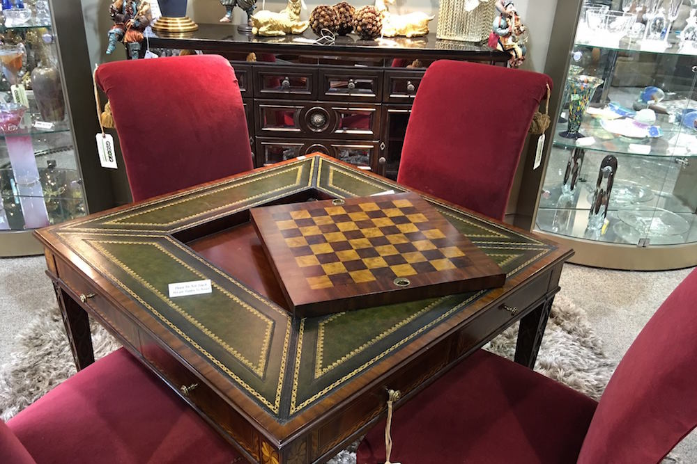 Luxury Table And Chairs With Chess Set   3