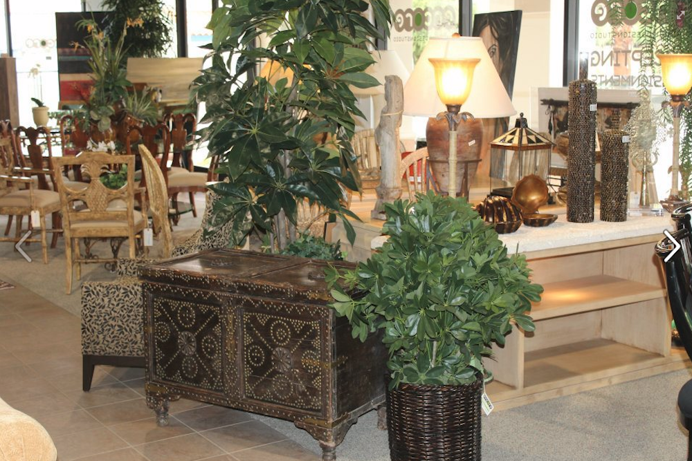 Delicieux Beautiful Luxury Furniture In A Consignment Store