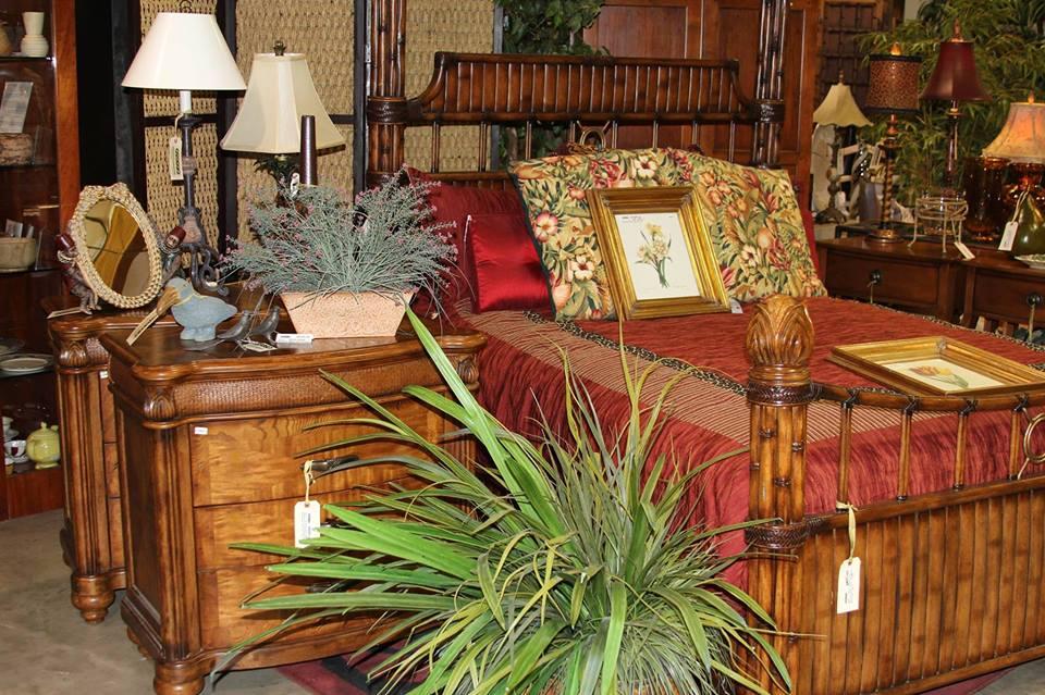 Elegant Bedroom Furniture and Nightstands