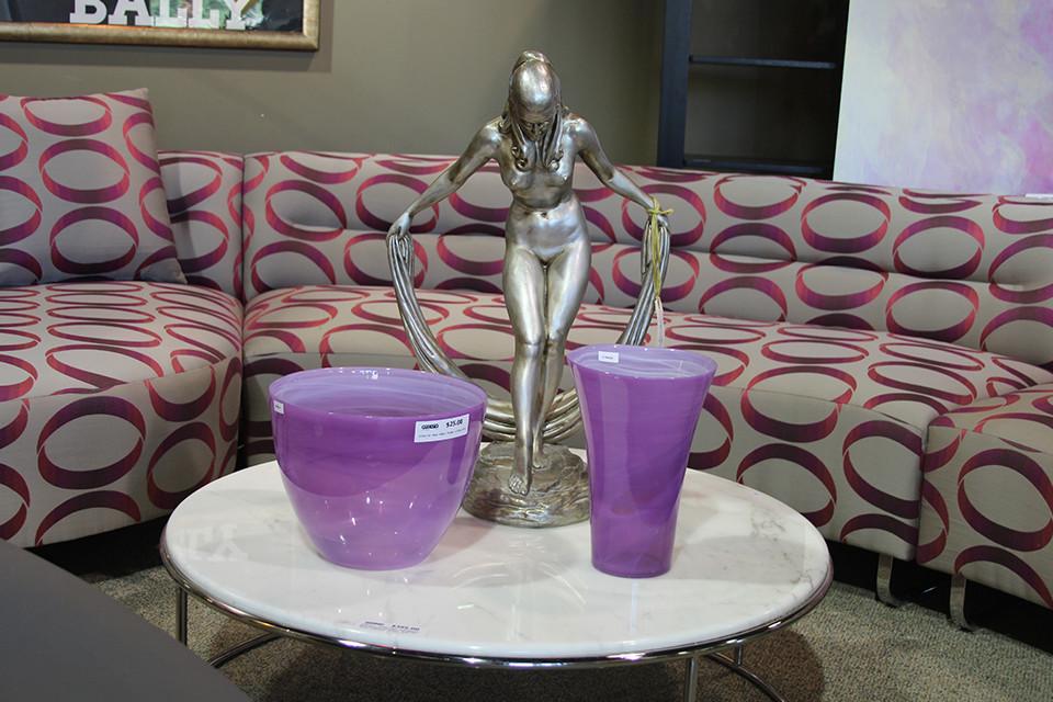 Short Round White Pedestal Coffee Tables