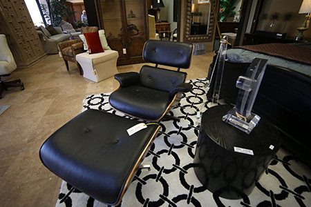 Top reasons to buy sell furniture at consignment stores